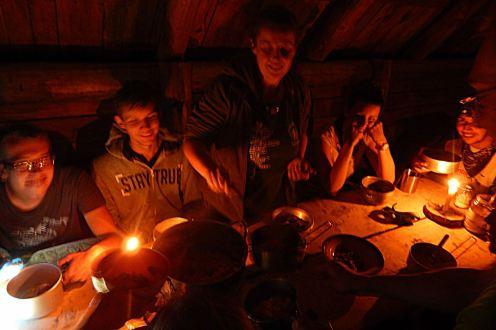 Baza namiotowa w Lopience. Bieszczady z jaktoblisko.com