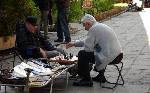 Panowie grają w szachy - Pchli targ we Lwowie